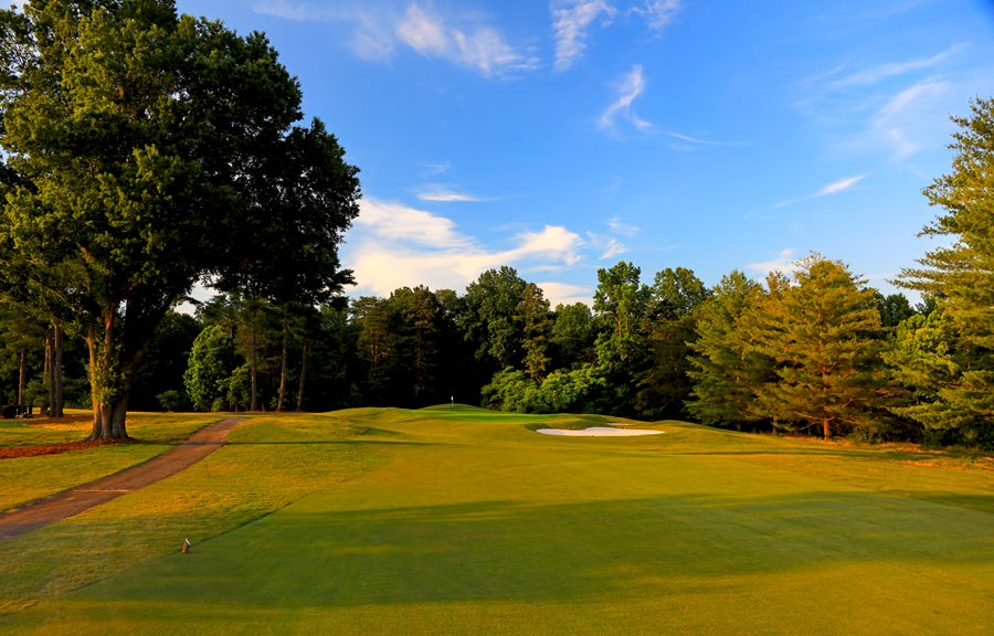 Hole 18 Fairway looking onto the Clubhouse